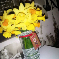 Handmade Gifts: How To Up-Cycle Old Coffee Jars Into Pretty Little Vases