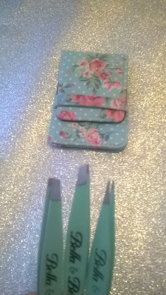 Review: Bella & Bear – 'The Pluckers' Tweezer Set