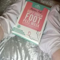 Review: N.O.P Cosmetics - Happy Feet Soft Touch Foot Peel Mask For Hard Skin & Dry, Cracked Heels