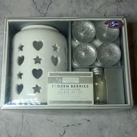 Review: Beautiful Home - Frozen Berries Fragranced Oil Burner Set From B&M