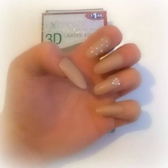 Review: Expressions Fashion Nails | 3D Limited Edition Pearl Studded False Nails From B&M (Only £1.49!) @bmstores #nails